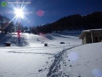Fossa Conca: galleria foto. Nell'immagine il rifugio nord con la neve